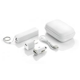 Zestaw podróżny: power bank, ładowarka samochodowa i adapter sieciowy USB